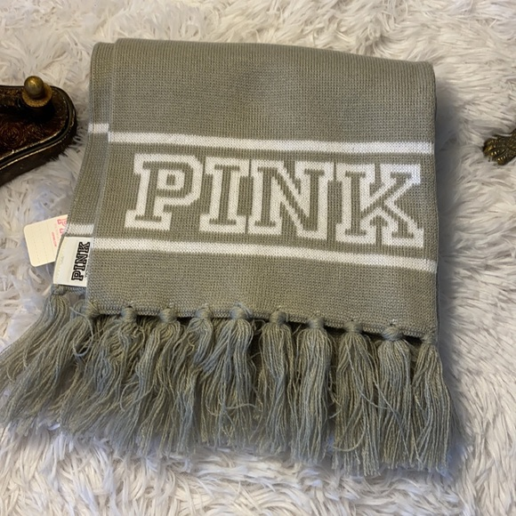 PINK Victoria's Secret NWT Scarf Gray & White